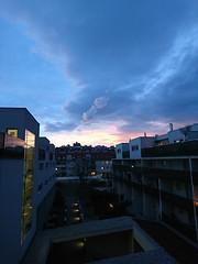 2017-12-11 16.09.24 (Kirayuzu) Tags: wien vienna liesing abendhimmel abend himmel winter eveningsky evening sky wolken clouds