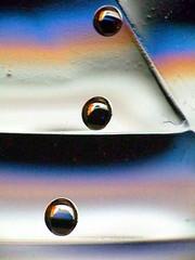water bottle abstract - 3 (minminatmidnight) Tags: wasserflasche flasche bottle waterbottle plastikflasche plasticbottle blasen bläschen bubbles drops droplets waterdrops water tropfen tröpfchen wasser wassertropfen liquid flüssig bunt farbe farben color colors colorful colour colours colourful abstract abstrakt fujifilmfinepixs100fs makro macro