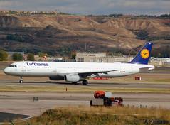 LUFTHANSA A321 D-AISH (Adrian.Kissane) Tags: lufthansa a321 madrid daish 3265