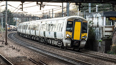 387120 (JOHN BRACE) Tags: 2014 bombardier derby built class 387 electrostar emu 387120 seen harringay station great northern white livery