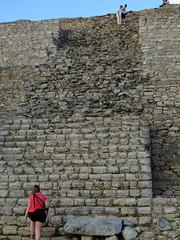 Izamal - Kinich Kakmó Pyramid (R.S. aus W.) Tags: vergessen entdeckt gefunden archäologen archäologie ausgrabung restauriert maya lakandonen lacandonen ethnie volk indigen reise strasen wald überwachsen regenwald mangroven ruinen pyramiden tempel städte stadt anlage vergangen hinterland unzugänglich masken opferstelle forgot discovered found archaeologists archeology excavation restored mayan lakandones lacandons ethnic group indigenous journey roads forest overgrown rainforest mangroves ruins pyramids temples towns city facility passed inland inaccessible masks victims place kultur abenteuer rundreise urlaub ferien amerika nordamerika iberoamerika mexiko mexico yucatan