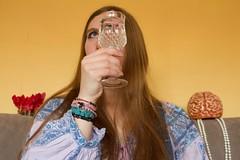 Multiples facettes (Ôde.Gaudin) Tags: gurl girl vintage illusiondoptique water glasses brain flowers cerveau purple
