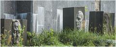 162- CEMENTERIO DE ANTAKALNIS - SEPULTURAS DE PERSONAJES ILUSTRES - VILNIUS - LITUANIA - (--MARCO POLO--) Tags: cementerios ciudades curiosidades rincones