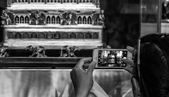 Budapest Sept 2018. ((((Lee)))) Tags: 2018 hungary budapest europe city danube river riverdanube moments hotelmoments chainbridge budacastle matthiaschurch ststephensbasilica stephens basilica parliament hungarianparliament gellert hotelgellert castledistrict fishermansbastion margaretbridge elizabethbridge libertystatue statue greatmarkethall market shoesonthedanube tram trams graffiti homeless bigwheel heroessquare gellerthill edisonbarandink
