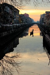 Naviglio Grande (Alax66) Tags: milano metropoli city canale naviglio tramonto sunset lombardia gondola città colors acqua inverno gennaio navigliogrande