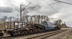 02_2019_01_16_Gelsenkirchen_Bismarck_6185_190_DB_mit_Schwerlasttransport_Uaais ➡️ Herne_Abzw_Crange (ruhrpott.sprinter) Tags: ruhrpott sprinter deutschland germany allmangne nrw ruhrgebiet gelsenkirchen lokomotive locomotives eisenbahn railroad rail zug train reisezug passenger güter cargo freight fret bismarck bottropsüd ctd captrain db hctor hhpi 0632 1266 1232 1261 6152 6185 6187 6241 class66 vtgch rb42 hochspannungsmast kraftwerk herne dorsten dortmund logo natur outdoor graffiti