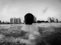 Evolución (Fernando Sangre) Tags: montehermoso argentina provinciadebuenosaires agua mar niño felicidad amor