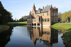 Castle Wissekerke in Bazel, Belgium (jackfre 2) Tags: belgium bazel castle castlewissekerke swan flyingswan moat