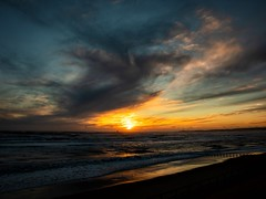 Winter Sunrise (PeskyMesky) Tags: aberdeen aberdeenbeach scotland sunrise sunset water sky cloud landscape flickr winter 2018 canon canon5d eos