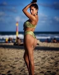 Surfers Paradise (SUOSU.MEDIA) Tags: bikini portrait fujifilm xt2 goldcoast australia