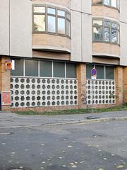 Die Fassade. / 16.11.2018 (ben.kaden) Tags: berlin pankow pestalozzistrase architekturderddr architektur ostmoderne 2018 16112018