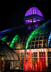 franklin park conservatory (brown_theo) Tags: franklin park columbus ohio conservatory holiday light lights christmas glass dome nationalregister historic places nrhp 1895 aglow architecture broadstreet glow colorful colors chihuly redreeds art