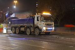 _MG_8961 (Yorkshire Pics) Tags: 2401 24012019 24thjanuary 24thjanuary2019 leeds leedsatnight leedscity leedscityatnight leedscitycentre leedscitycentreatnight tipper tippertruck tipperlorry truck trucking yd60aro