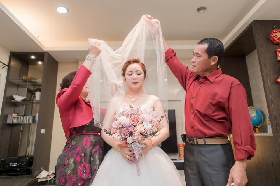 台南東東宴會式場 婚宴 走在幸福的紅毯上 R & B 062