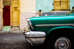 The Unstoppable Maquinas (Santiago de Cuba, Cuba 2018) (Alex Stoen) Tags: alexstoenphotography cuba leicamptyp240 summiluxm35mm travel