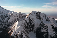 Denali and the Alaska Range (wrenee.com) Tags: 2018 35mm film portra alaska analog dehavillandotter denali denalinationalpark kodakportra160 leicam6 september talkeetnaairtaxi