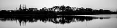 Le couchant en noir et blanc (Daniel_Hache) Tags: pond sunset blanc soleil couchant etang black coucher noir white