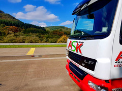 IMG-20181213-WA0025 (JAMES2039) Tags: volvo fm12 ca02tow fh13 globetrotter pn09juc pn09 juc tow towtruck truck lorry wrecker rcv heavy underlift heavyunderlift 8wheeler 6wheeler 4wheeler frontsuspend rear rearsuspend daf lf cf xf 45 55 75 85 95 105 tanker tipper grab artic box body boxbody tractorunit trailer curtain curtainsider tautliner isuzu nqr s29tow lf55tow flatbed hiab accidentunit iveco mediumunderlift au58acj ford f450 renault premium trange cardiff rescue breakdown night ask askrecovery recovery scania 94d w593rsc bn11erv sla superlowapproach demountable