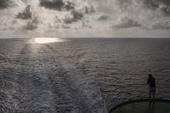 [Stop 48] Marenostrum (ponzoñosa) Tags: marenostrum following day italy italia lazio mar sea mediterraneo ferry barcelona civitavecchia seaport ship dizzy sunrise motor