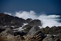 LAS TRAVESURAS DEL PACIFICO EN LA ISLA NEGRA (marthinotf) Tags: chile pabloneruda islanegra oceanopacifico paisajecostero comunadeelquisco olas mar rocas marrevuelto marbravo oceano batirdelasolas oloramar