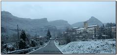 Estampa hivernal de Riells del Fai (el Vallès Oriental) (Jesús Cano Sánchez) Tags: elsenyordelsbertins fujifilm xq1 catalunya cataluña catalonia barcelonaprovincia valles vallesoriental cinglesdeberti lavalldeltenes biguesiriells riellsdelfai neu nieve snow esglesia iglesia church nevada2018 paisatge paisaje landscape