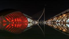 Ciutat de les Arts i les Ciències (KPPG) Tags: ciutatdelesartsilesciències spanien spain valencia night nightshot nacht spiegelungen reflections colorful farbenprächtig architektur architecture