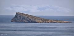 LA ISLA DE BENIDORM (Angelines3) Tags: nwn nubes naturaleza cielo mar martesdenubes isla tierra horizonte comunidadvalenciana benidorm costablanca alicante colores mediterráneo