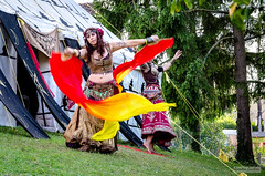 Provins - Aout 2017 - 18 (Quentin CUVELIER) Tags: ifttt 500px îledefrance base continents et pays d7000 danse europe fr fra france français french nikon lens objectif photo photographie photography portrait quentin cuvelier seineetmarne dance dancer danseuse fantasy provins voiles weekend activities enjoying sunny campsite bonding carrying shoulders lifestyle exploring happy photographing playing leisure activity street continentsetpays nikonlens objectifnikon quentincuvelier