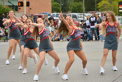 Reaching out to you (radargeek) Tags: september 2018 mustangwesterndaysparade mustang oklahoma highschool hs cheerleaders pointing dancing
