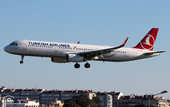 Turkish Airlines (Guilherme_Martinez) Tags: aircraft airbus airbuslovers sky summer sun sunset planespotting passion portugal lisboa love lisbon lovers like follow family followme