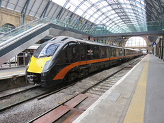 180105 - London King's Cross (19/03/16) (Toffeeapple82) Tags: railway kingscross london class180 dmu 180105 theyorkshireartistashleyjackson grandcentral