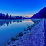 Frosty dawn at the river Inn in Kiefersfelden, Bavaria, Germany thumbnail