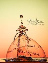 und gedröppelt hat's auch bei mir (Simone Schloen ☞ www.bilderimkopf.de) Tags: wassertropfen tropfen highspeed droplet