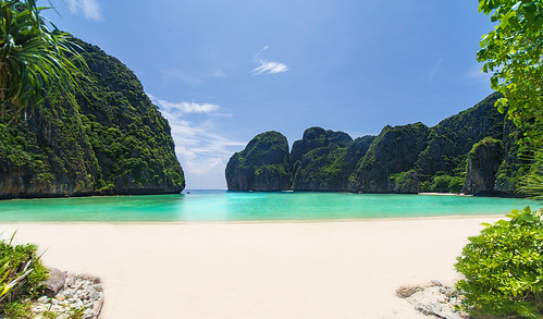 Maya Bay Phi Phi Islands - Thailand