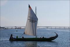 Ría de Aveiro (Portugal, 20-9-2014) (Juanje Orío) Tags: 2014 aveiro portugal europa europeanunion europe unióneuropea ría agua water costa barco boat puente bridge