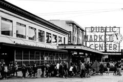 Pike Place Market (Jonne Naarala) Tags: bw x100f usa market fujix100f pikeplace seattle fujifilmx100f