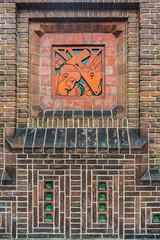 20181226-DSC01470 Amsterdam, Netherlands (R H Kamen) Tags: 19101919 amsterdam gelderland holland netherlands otterlo wallbuildingfeature amsterdamschool architecture artdeco artnouveau brick buildingexterior day expressionism facade outdoor outdoors rhkamen