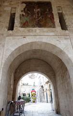 Polignano a Mare (Puglia-Italia). Interior del Arco Marchesale (santi abella) Tags: polignanoamare apulia puglia italia