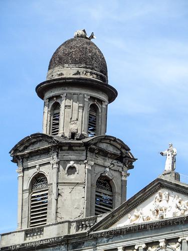 2011-08-27 (25) Ruine der alten Kathedrale in Managua (Nicaragua) - Beim Erdbeben von 1972 wurde die Catedral de Santiago de Managua schwer beschaedigt und konnte nicht mehr restauriert werden, die Ruine steht seitdem leer. 1993 wurde eine neue Kathedrale