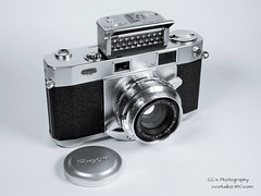 Ricoh Five One Nine - 1958 (http://www.yashicasailorboy.com) Tags: ricohcamera ricoh519 35mm camera film rangefinder japan analog lightmeter 1950s photography studio rikenltd rikenonlens f19 45cm 45mm