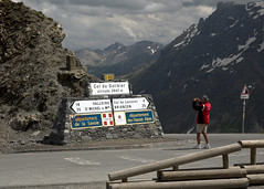 Col du Galibier Sign and Biker (nicoangleys) Tags: lautaret coldugalibier france2018