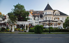 Huntingdon Manor Hotel. Victoria, BC. (Infinity & Beyond Photography: Kev Cook) Tags: huntingdon manor hotel victoria bc britishcolumbia canada building architecture