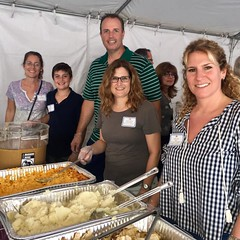 "Feed the Community 2018 • <a style=""font-size:0.8em;"" href=""http://www.flickr.com/photos/76341308@N05/44280293520/"" target=""_blank"">View on Flickr</a>"