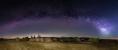 Recuerdos de verano. (Amparo Hervella) Tags: colmenardelarroyo comunidaddemadrid españa spain paisaje noche nocturna cielo víaláctea estrella bunker árbol largaexposición lightpainting d7000 nikon nikond7000 panorámica