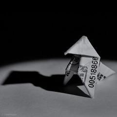 T' As Le Ticket (sdupimages) Tags: carré square transport shadow monochrome noiretblanc noirblanc blackwhite nb bw origami pliage paperhen cocotteenpapier macro macromondays redux2018 ratp metro ticket transportation