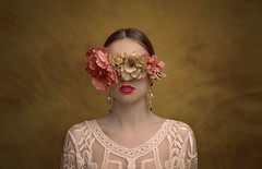 The mask / La máscara (Jesus Solana Poegraphy) Tags: mask máscara flores ciclope ceguera floral blindness blind flowers beauty young belleza fineart fineartphotography poegraphy