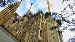 Constructing (Greenstone Girl) Tags: barcelona sagrada familia spain buildings antoni gaudi