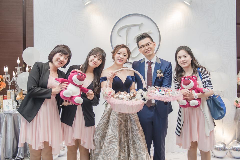 台南東東宴會式場 婚宴 走在幸福的紅毯上 R & B 162