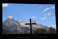 A chapel with a view (jpotto) Tags: usa wyoming churc religion building tetons mountains chapelofthetransfiguration moose jacksonhole