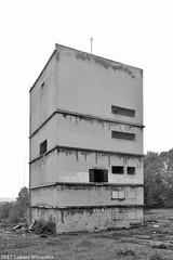 """Kopalnia Węgla Kamiennego """"Anna"""" w Pszowie, wieża szybu Ryszard II.   Headframe Ryszard II of Anna coal mine. (Przemysłowy Aspekt Świata) Tags: kopalnia kopalniawęglakamiennego szyb szybgórniczy szybryszardii kopalniawęglakamiennegoanna kwkanna górnictwo technika przemysłciężki przemysł węgiel węgielkamienny pszów śląsk rybnickiokręgwęglowy województwośląskie wieżawyciągowa górnyśląsk polska czarnobiałe fotografiaprzemysłowa fotografiaindustrialna architekturaprzemysłowa industrial industrialculture industry industrialphotography industrialarchitecture industrialarchaeology coal coalmine coalmining górnictwowęglakamiennego headframe shaft pithead silesia uppersilesia poland architecture industriearchitektur industriekultur bergbau kohle schacht zeche polen schlesien oberschlesien industriefotografie blackandwhite bw tower grube kohlengrube schachtanlage steinkohle steinkohlegrube 2017"""